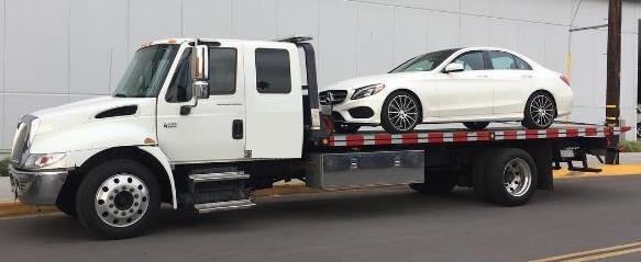 Mercedes Benz Towing Near Naperville